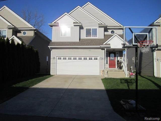 1663 Stapleton Crt, Keego Harbor, MI 48320 (MLS #R2200038343) :: Berkshire Hathaway HomeServices Snyder & Company, Realtors®