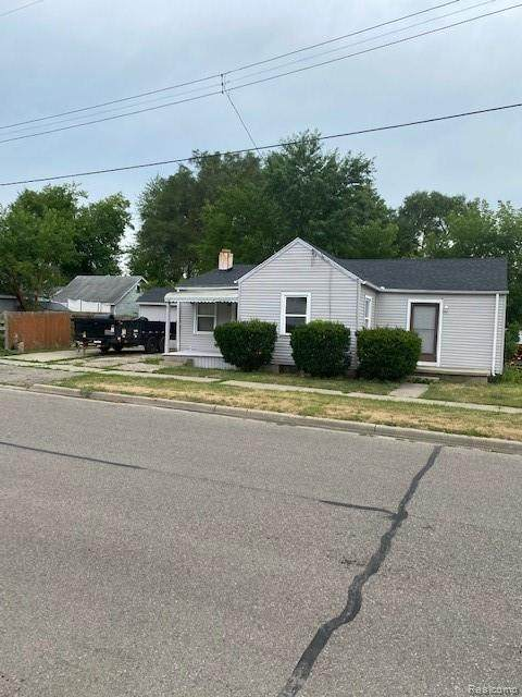 1364 Donovan St, Burton, MI 48529 (MLS #R2200044205) :: Berkshire Hathaway HomeServices Snyder & Company, Realtors®
