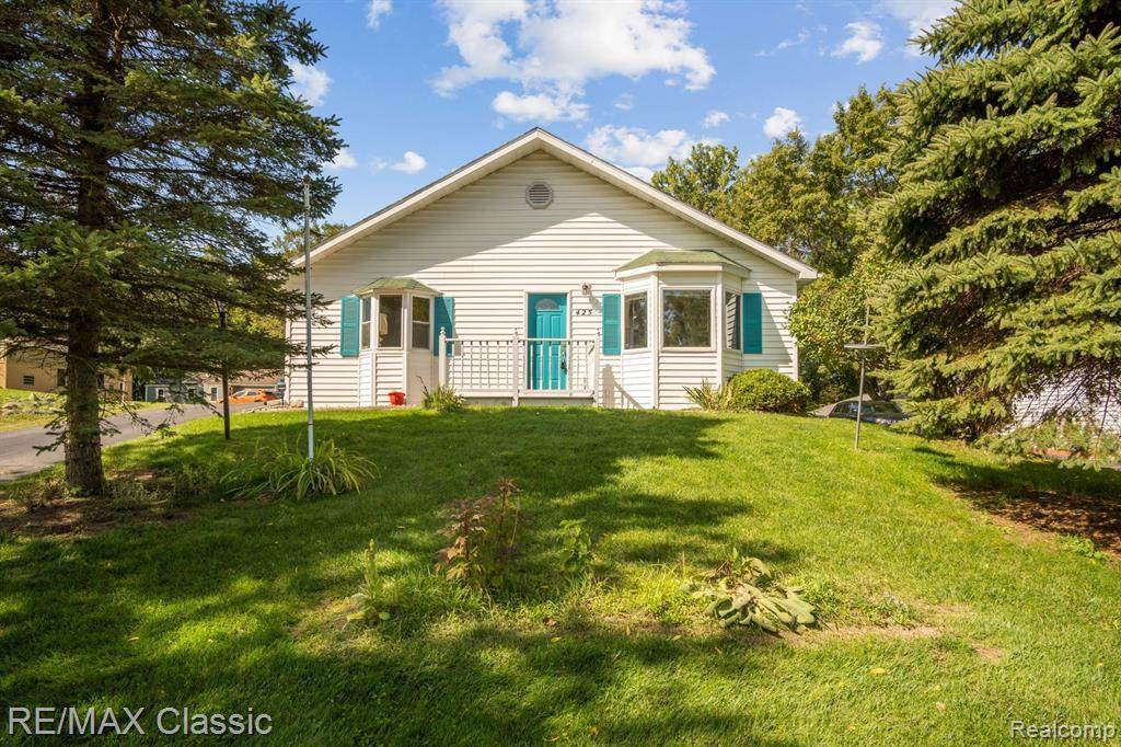 425 East Rd - Photo 1