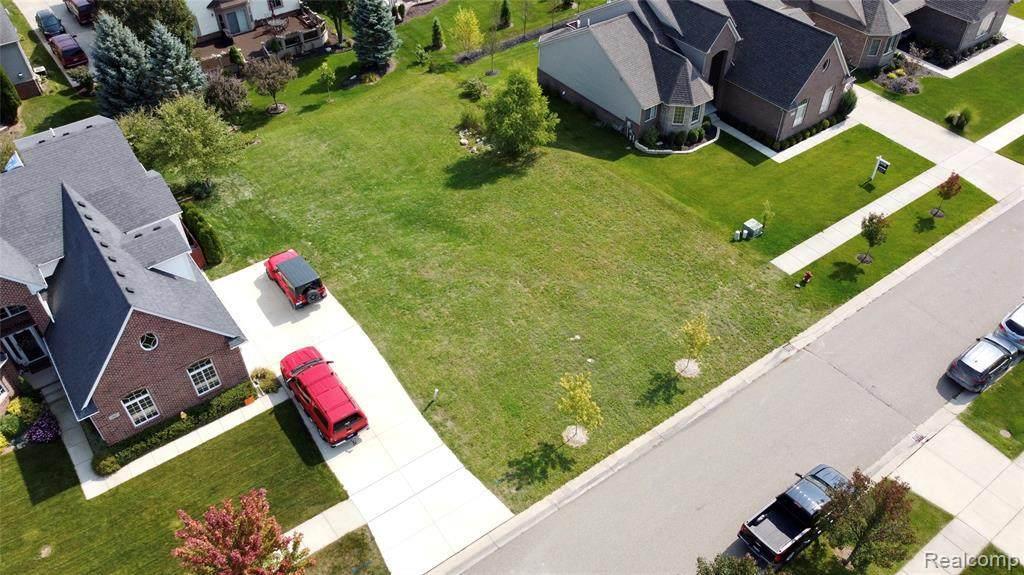 931 Woodside Drive - Photo 1