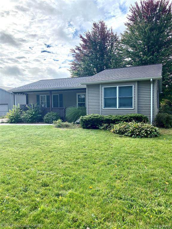 575 Horn St, Pinconning, MI 48650 (MLS #R2200080753) :: Berkshire Hathaway HomeServices Snyder & Company, Realtors®