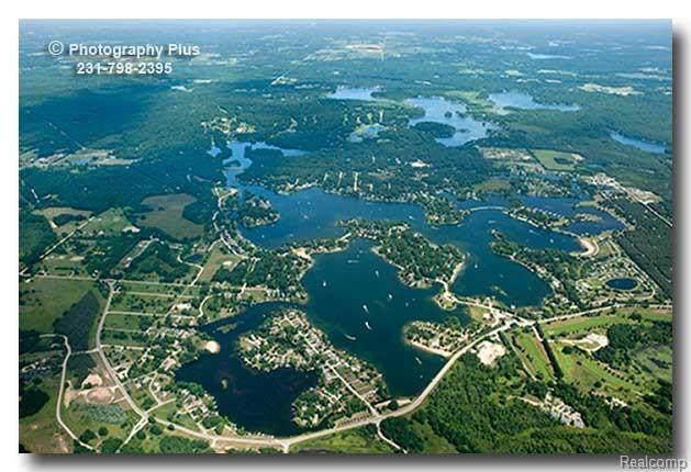 10356 Valley, Stanwood, MI 49346 (MLS #R2200081881) :: Berkshire Hathaway HomeServices Snyder & Company, Realtors®