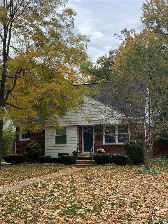 907 Hickory Ave, Royal Oak, MI 48073 (MLS #R2200087342) :: Berkshire Hathaway HomeServices Snyder & Company, Realtors®