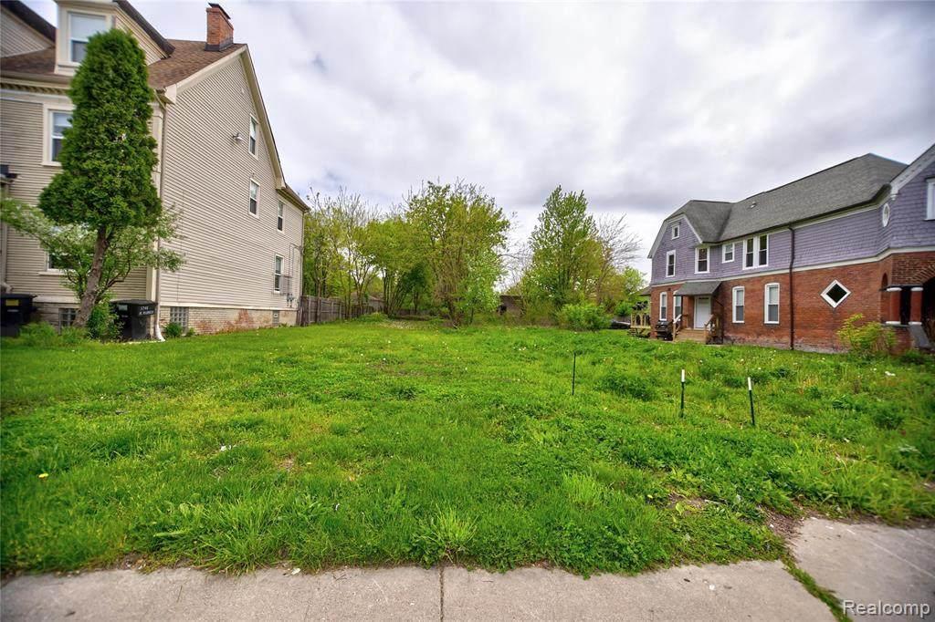 1751 Warren Avenue - Photo 1