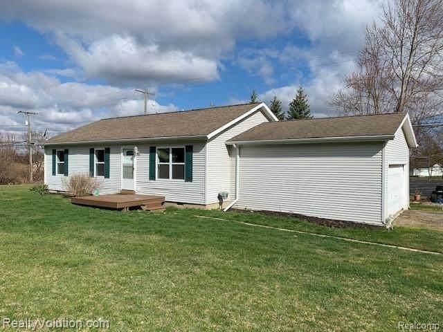 214 Davis Lake Rd, Lapeer, MI 48446 (MLS #R2200088711) :: Berkshire Hathaway HomeServices Snyder & Company, Realtors®