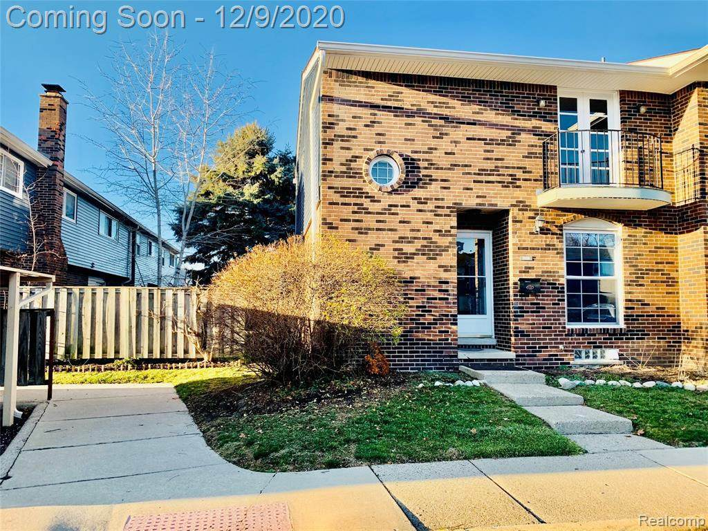 2820 Page Ave - Photo 1