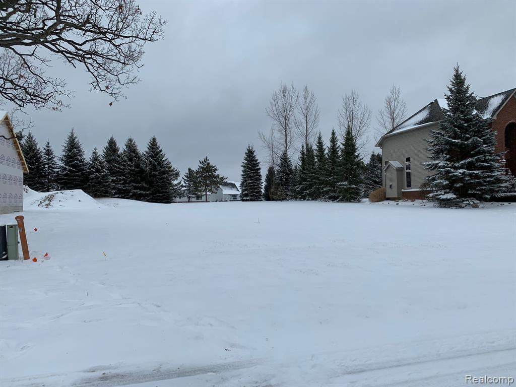 352 Golfside Drive - Photo 1