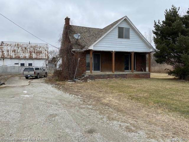 10228 Division Road, Columbus, MI 48063 (MLS #R2210005567) :: Berkshire Hathaway HomeServices Snyder & Company, Realtors®