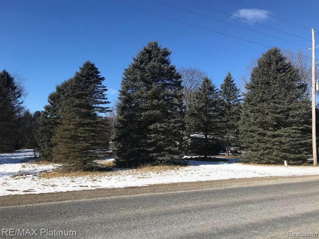 9525 Oak Grove Road - Photo 1