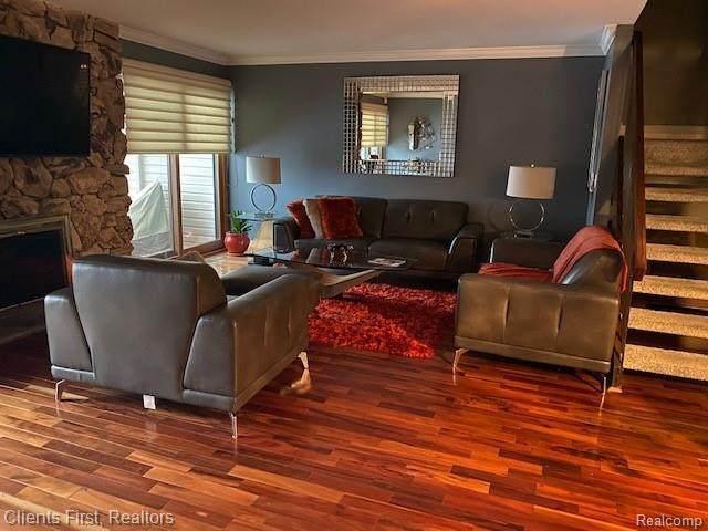 6178 E Palomino, West Bloomfield, MI 48322 (MLS #R2210012491) :: Berkshire Hathaway HomeServices Snyder & Company, Realtors®