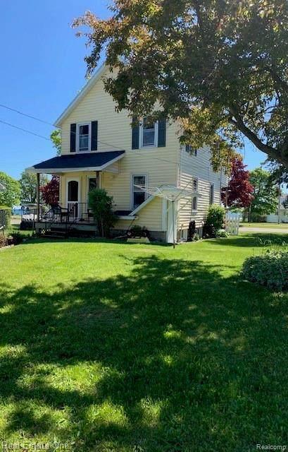 209 N Huron Avenue, Mackinaw City, MI 49701 (MLS #R2210025301) :: Berkshire Hathaway HomeServices Snyder & Company, Realtors®