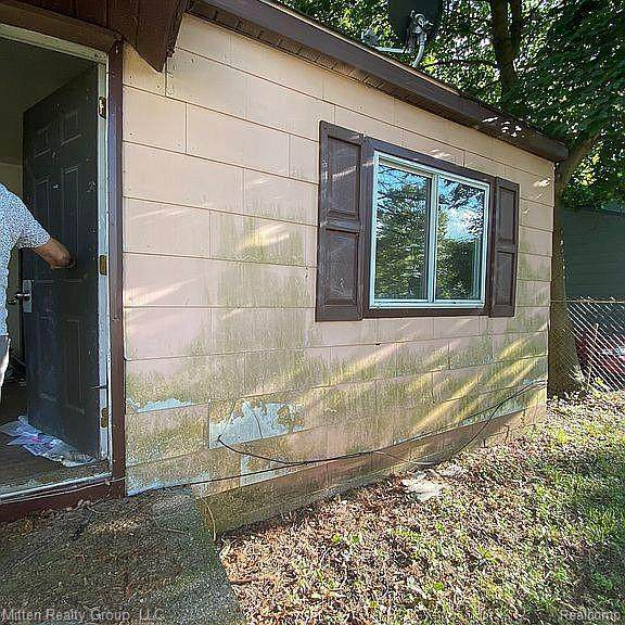 1718 Polly Street, Flint, MI 48505 (MLS #R2210026583) :: Berkshire Hathaway HomeServices Snyder & Company, Realtors®