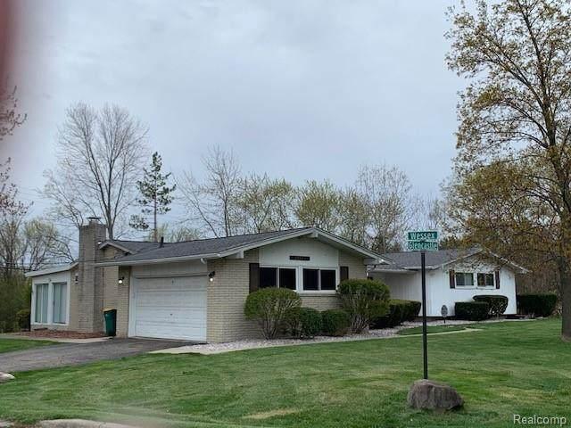 29125 Glencastle Drive, Farmington Hills, MI 48336 (MLS #R2210027564) :: Berkshire Hathaway HomeServices Snyder & Company, Realtors®