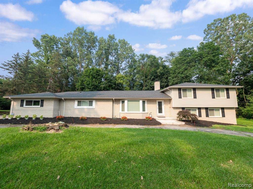 7075 Lindenmere - Photo 1