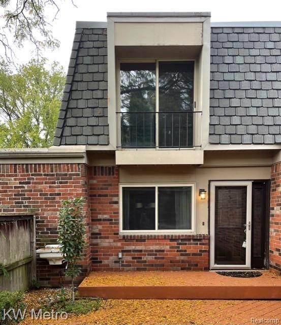 1012 Stratford Lane E, Bloomfield Hills, MI 48304 (MLS #R2210071227) :: Berkshire Hathaway HomeServices Snyder & Company, Realtors®