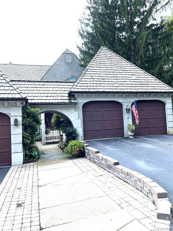 5451 Bristol Parke Drive #8, Clarkston, MI 48348 (MLS #R2210080323) :: Berkshire Hathaway HomeServices Snyder & Company, Realtors®