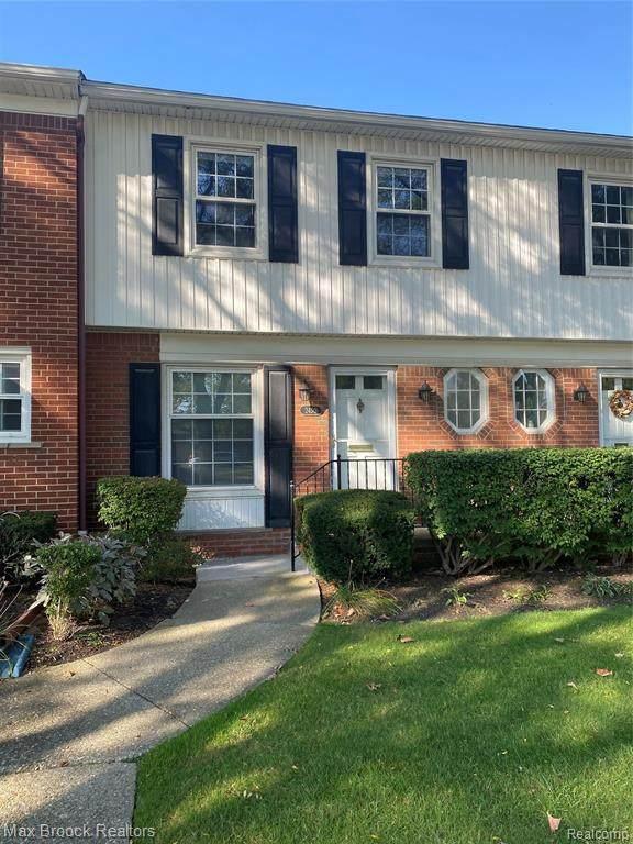 2450 W 13 Mile Road, Royal Oak, MI 48073 (MLS #R2210081457) :: Berkshire Hathaway HomeServices Snyder & Company, Realtors®