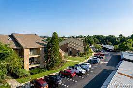 2605 Greenstone Boulevard #201, Auburn Hills, MI 48326 (MLS #R2210084251) :: Berkshire Hathaway HomeServices Snyder & Company, Realtors®