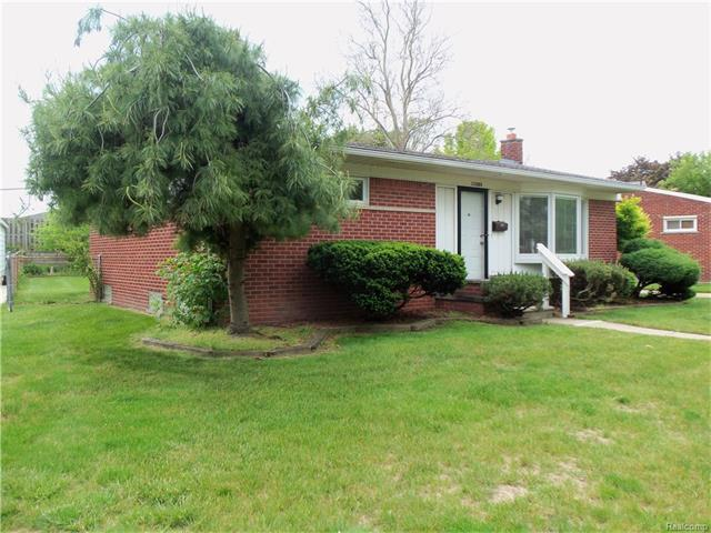 22889 S Brookside Drive, Dearborn Heights, MI 48125 (MLS #R217040573) :: The Toth Team