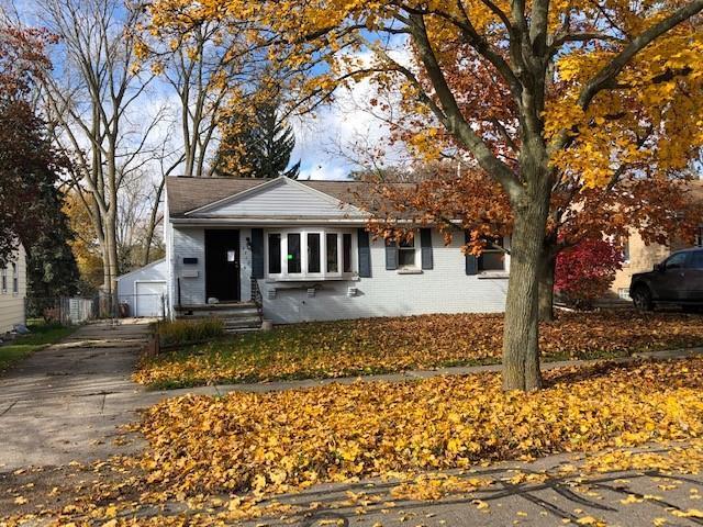 3312 S Deerfield Ave, Lansing, MI 48911 (MLS #R218106708) :: Berkshire Hathaway HomeServices Snyder & Company, Realtors®