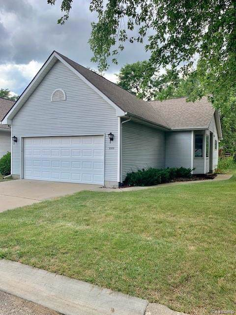 9375 Jamie Dr, Davison, MI 48423 (MLS #R219082691) :: The Toth Team