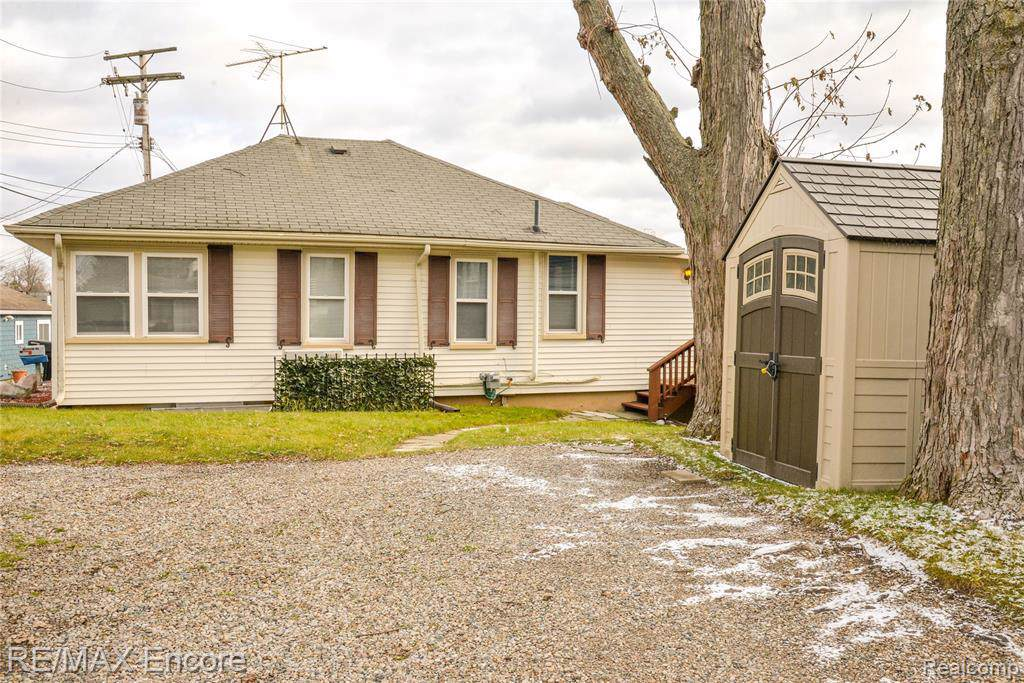 231 Lookout Ln - Photo 1