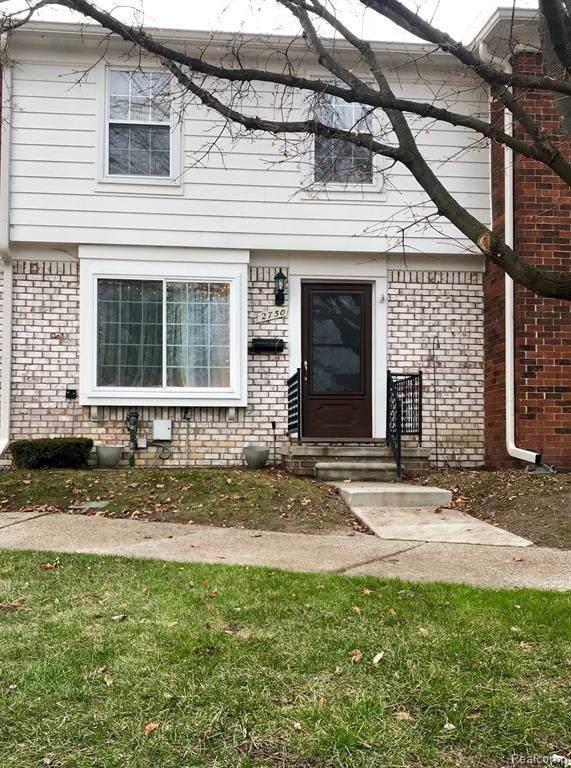 2750 W Seaton Circuit  W, Warren, MI 48091 (MLS #R219122051) :: Berkshire Hathaway HomeServices Snyder & Company, Realtors®