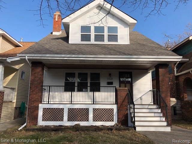 1424 Lakepointe St, Grosse Pointe Park, MI 48230 (MLS #R2200002855) :: Berkshire Hathaway HomeServices Snyder & Company, Realtors®