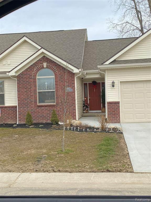 5403 Swan Dr, Burton, MI 48509 (MLS #R2200018681) :: Berkshire Hathaway HomeServices Snyder & Company, Realtors®