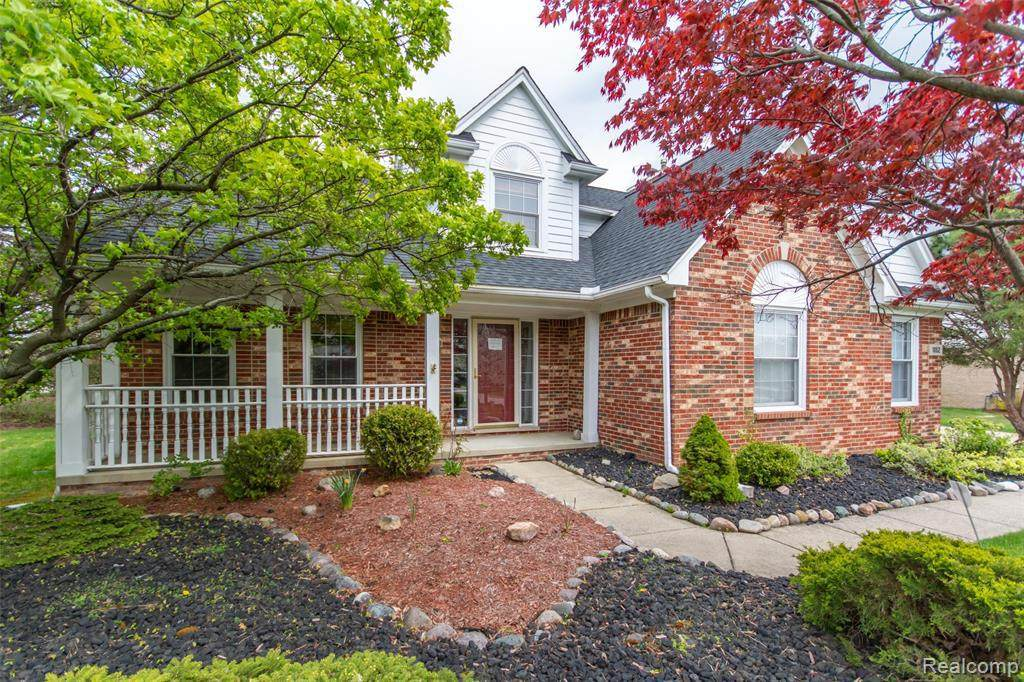 1052 Wellington Crt - Photo 1
