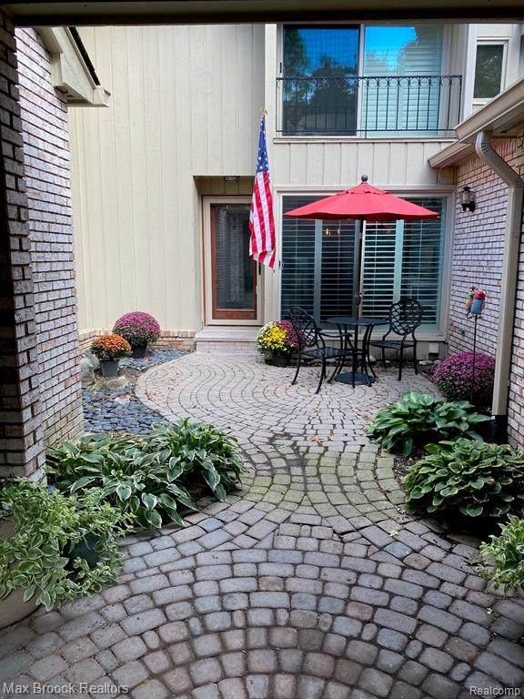 1323 Knollcrest Circle #42, Bloomfield Hills, MI 48304 (MLS #R2210087805) :: Berkshire Hathaway HomeServices Snyder & Company, Realtors®
