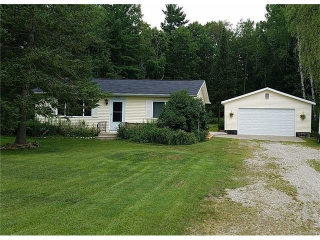 7869 Silsby Road, Roscommon, MI 48653 (MLS #R217062169) :: The Toth Team