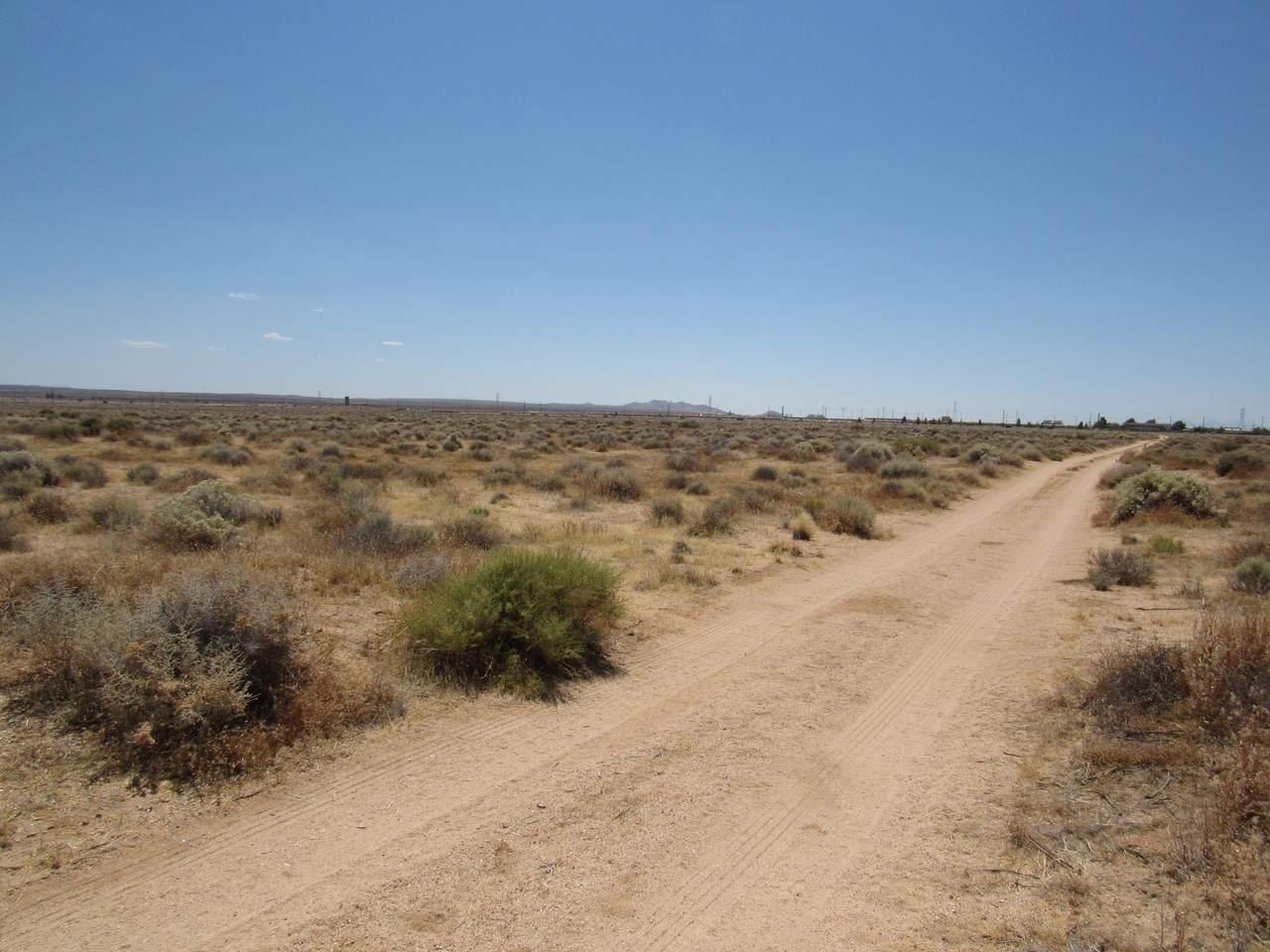 Pipeline Road - Photo 1