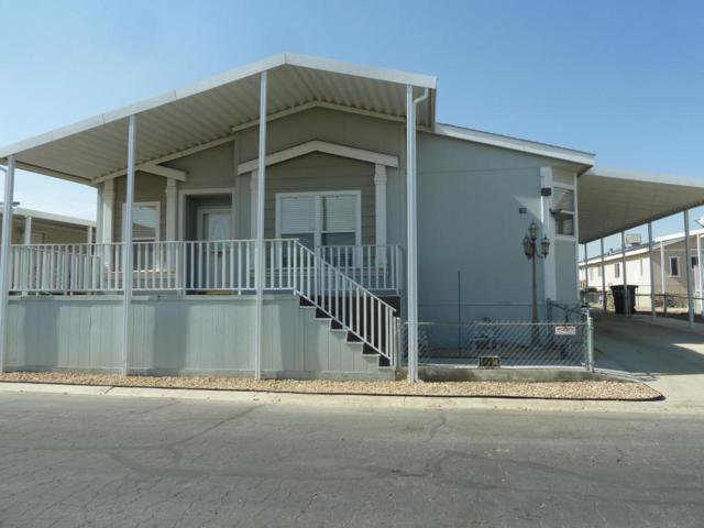 1550 20th St W Spc 78, Rosamond, CA 93560 (#17010070) :: Carrington Real Estate Services