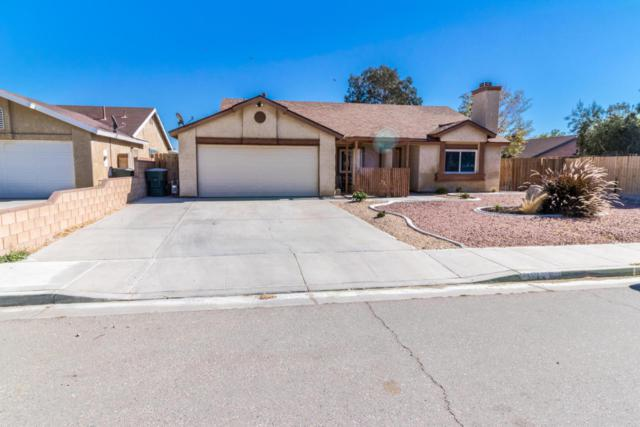 3224 Rodney Street, Rosamond, CA 93560 (#17010330) :: The Real Estate Offices of Talbot and Watson