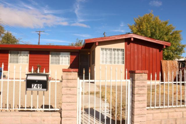 749 W H-11 Avenue, Lancaster, CA 93534 (#17010987) :: The Real Estate Offices of Talbot and Watson