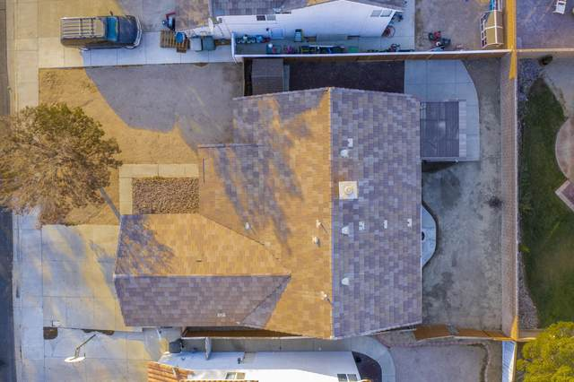 3441 Summer Breeze Avenue, Rosamond, CA 93560 (#20009465) :: HomeBased Realty