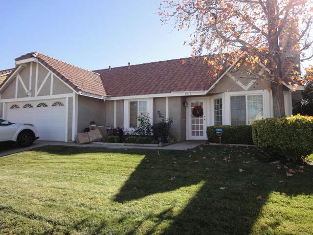 1916 E Ave R12, Palmdale, CA 93550 (#20009581) :: HomeBased Realty