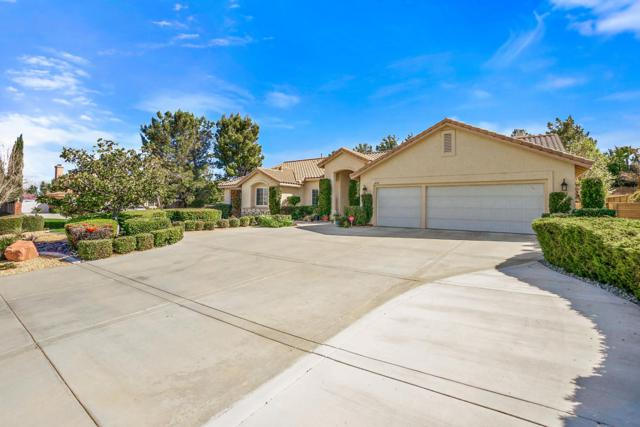 6036 W Devonshire Drive, Palmdale, CA 93551 (#18002899) :: The Real Estate Offices of Talbot and Watson