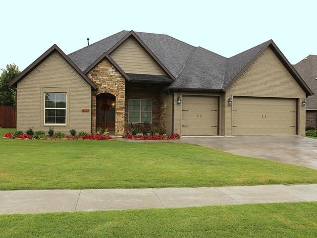 4167 W Stoney Bend Dr, Fayetteville, AR 72704 (MLS #10007413) :: McNaughton Real Estate