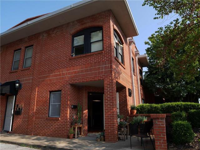 105 S S Church  Ave, Fayetteville, AR 72701 (MLS #1055838) :: HergGroup Arkansas