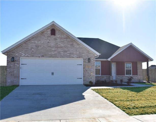 721 Carroll  Dr, Prairie Grove, AR 72753 (MLS #1066559) :: McNaughton Real Estate