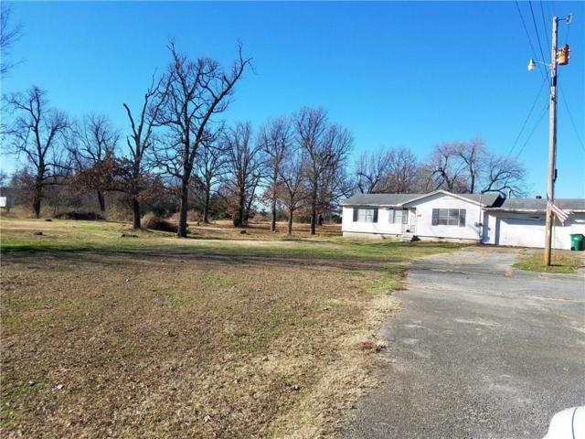 634 N 40th  St, Springdale, AR 72764 (MLS #1066764) :: McNaughton Real Estate