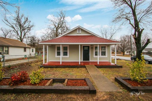 1016 Wood  Ave, Fayetteville, AR 72701 (MLS #1072932) :: McNaughton Real Estate
