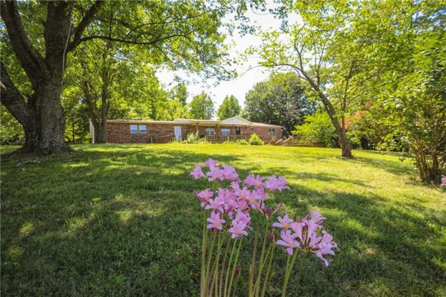 101 Nw Campbell  Rd, Fayetteville, AR 72701 (MLS #1086605) :: McNaughton Real Estate