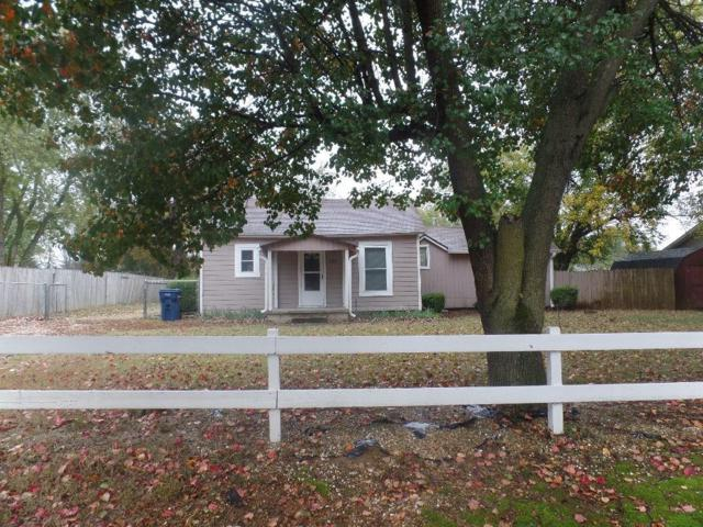 2016 Central  St, Siloam Springs, AR 72761 (MLS #1097182) :: McNaughton Real Estate