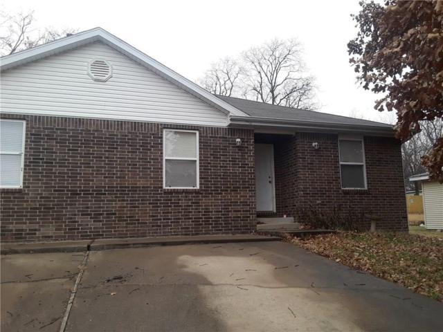 1916 Kaywood  Ln, Fayetteville, AR 72701 (MLS #1098831) :: McNaughton Real Estate