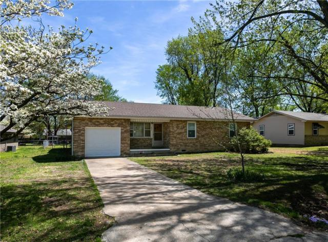 831 S Cherry  St, Siloam Springs, AR 72761 (MLS #1110988) :: Five Doors Network Northwest Arkansas