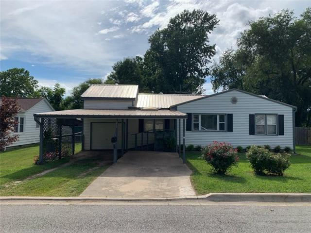 1010 N 11th  St, Rogers, AR 72756 (MLS #1120352) :: McNaughton Real Estate