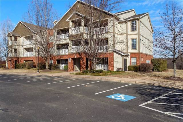 4254 NE Meadow Creek Circle #303, Fayetteville, AR 72703 (MLS #1135526) :: McNaughton Real Estate